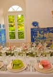 Decoración de las tablas de banquete, boda o evento del cumpleaños, partido de cena Imagen de archivo