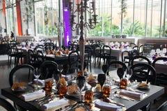 Decoración de las tablas de banquete del evento Fotografía de archivo libre de regalías