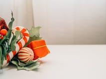 Decoración de los accesorios y de la Navidad foto de archivo