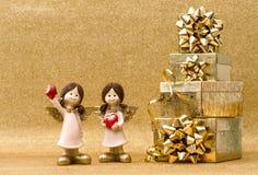 Decoración de los días de fiesta de la Navidad de los ángeles de guarda de las cajas de regalo pequeña Fotos de archivo libres de regalías