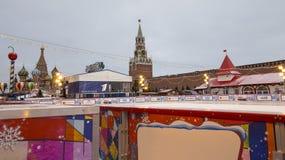 Decoración de los días de fiesta del Año Nuevo de la Navidad, Plaza Roja en Moscú, Rusia Imágenes de archivo libres de regalías