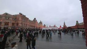Decoración de los días de fiesta del Año Nuevo de la Navidad, Plaza Roja en Moscú, Rusia metrajes