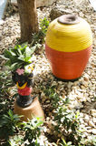 Decoración de los niños de las muñecas de la arcilla en jardín Imagen de archivo libre de regalías