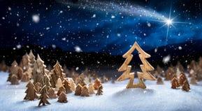 Decoración de madera como paisaje nevoso Imagenes de archivo