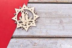 Decoración de madera tallada de la Navidad, espacio de la copia Fotografía de archivo libre de regalías