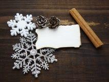 Decoración de Navidad con el papel pintado del Libro Blanco fotografía de archivo