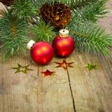 Decoración de Navidad con las bolas rojas imagen de archivo libre de regalías