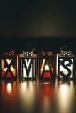 Decoración de Navidad con las linternas de la vela Fotografía de archivo