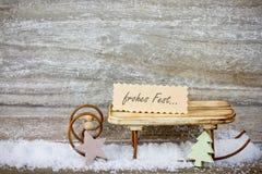 Decoración de Navidad en fondo de madera imágenes de archivo libres de regalías