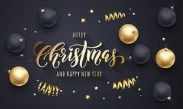 Decoración de oro de la Feliz Navidad y de la Feliz Año Nuevo, fuente dibujada mano del oro de la caligrafía para el fondo negro  ilustración del vector