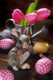 Decoración de Pascua con el conejo Fotografía de archivo libre de regalías