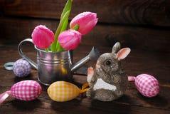 Decoración de Pascua con el conejo Fotos de archivo