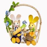 Decoración de Pascua con los conejitos Foto de archivo