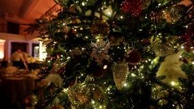 Decoración del árbol de navidad metrajes