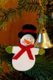 Decoración del árbol de navidad de la ejecución imagen de archivo