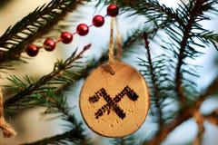 Decoración del árbol de navidad de Eco para el banquete incompleto imagen de archivo libre de regalías