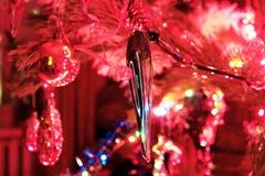 Decoración del árbol de navidad en el árbol de navidad Fotografía de archivo