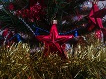 Decoración del árbol de navidad interior y del Año Nuevo Fotos de archivo libres de regalías