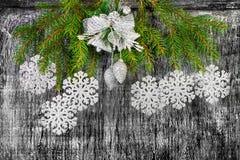 Decoración del árbol del abeto del Año Nuevo y de la Navidad del día de fiesta Imagen de archivo