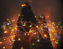 Decoración del Año Nuevo del árbol de navidad y de bombillas Fotos de archivo