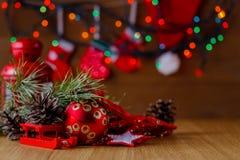 Decoración del Año Nuevo en la tabla Foto de archivo