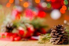 Decoración del Año Nuevo en la tabla Fotografía de archivo libre de regalías