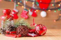 Decoración del Año Nuevo en la tabla Imagen de archivo