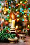 Decoración del café de las guirnaldas de la vela del árbol de navidad Fotos de archivo libres de regalías