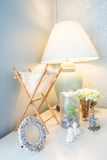 Decoración del estilo de la lámpara de mesa y del vintage Imagen de archivo