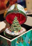 Decoración del huevo del Año Nuevo de la Navidad Fotos de archivo
