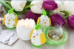 Decoración del huevo del pollo de Pascua Fotografía de archivo libre de regalías