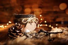 Decoración del invierno en estilo de la casa de campo imagenes de archivo