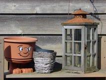 Decoración del jardín con el lantarn antiguo Imagenes de archivo