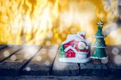 Decoración del ornamento de la Navidad con el color retro efectuado imágenes de archivo libres de regalías