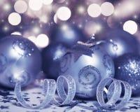 Decoración del ornamento y de la estrella de la chuchería del árbol de navidad Imagenes de archivo