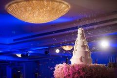 Decoración del pastel de bodas Imágenes de archivo libres de regalías