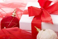 Decoración del regalo de Navidad foto de archivo libre de regalías