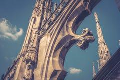 Decoración del tejado de Milan Cathedral Imagen de archivo libre de regalías