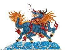 Decoración del tejado del estilo chino en el fondo blanco Imagenes de archivo