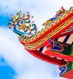 Decoración del tejado del templo chino Imágenes de archivo libres de regalías