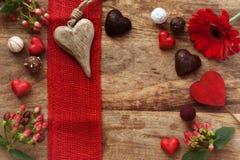 Decoración dulce de la Navidad en la madera Fotos de archivo