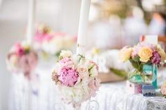 Decoración elegante de la tabla de la boda Imágenes de archivo libres de regalías