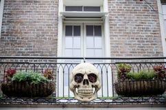 Decoración en la casa, cráneo de Halloween Imágenes de archivo libres de regalías