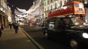 Decoración en Oxford Street, Londres, Reino Unido de la Navidad almacen de video
