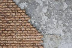 Decoración exterior de las paredes de la casa con una piedra marrón Fotografía de archivo