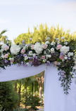 Decoración floral para un soporte de la boda Imágenes de archivo libres de regalías