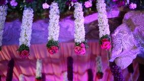 Decoración foral de la boda hindú india almacen de video