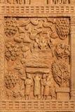 Decoración gran Stupa de la entrada. Sanchi, Madhya Pradesh, la India Foto de archivo