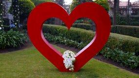 Decoración grande del corazón de la boda Imágenes de archivo libres de regalías