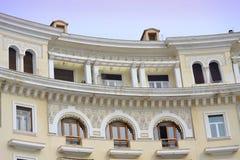 Decoración griega del último piso de la casa Imagenes de archivo